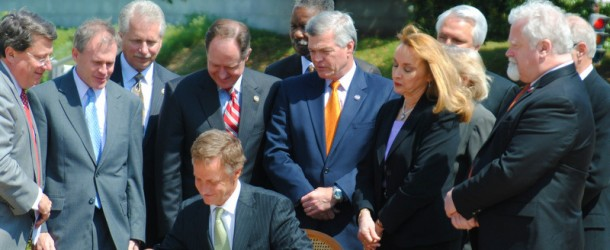 Gov. Haslam signs the TEAM Act
